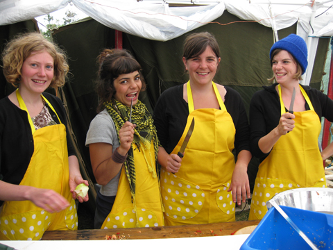 Climate%20Camp%202008%20cooks%20canary%20aprons.jpg