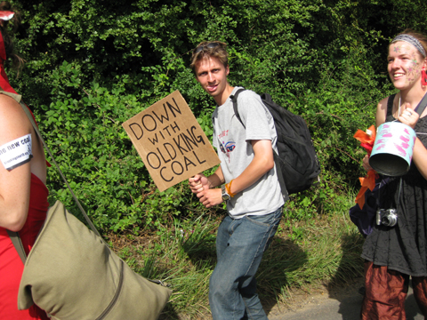 Climate%20Camp%202008%20march%20guy%20shrubsole.jpg