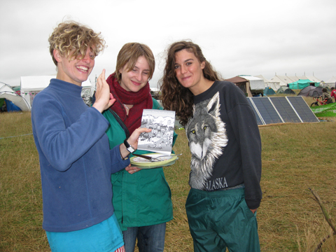 Climate%20Camp%202008%20songbooks%20Tamsin%20Omond.jpg