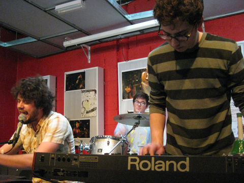Passion-Pit-Feb-2009-020.jpg