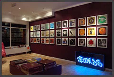 art%20vinyl%20gallery%20shop.jpg