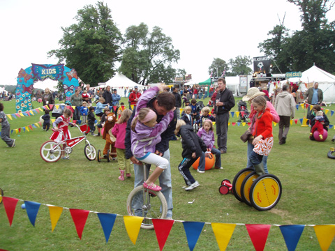 camp%20bestival%20crazy%20bikes%20kids%20space.jpg