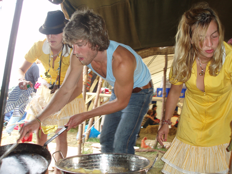 climate%20camp%202007%20cooking.jpg