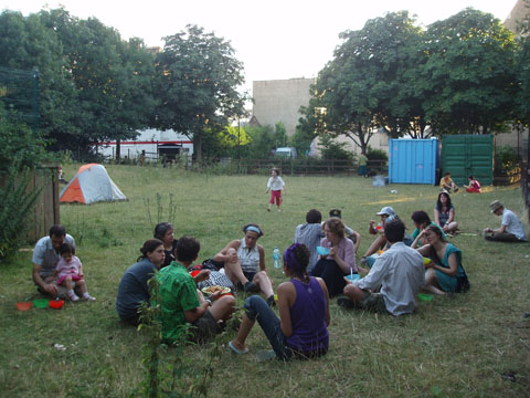climate%20camp%20hackney%20city%20farm%202.jpg