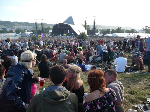 glastonbury%20crowd.jpg