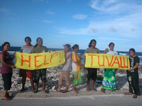 tuvaluegroup2.jpg
