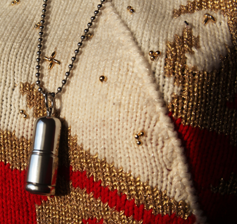 Mojo Cosmetics-Titan-lipstick-necklace