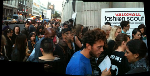 LFW SS2011-queue