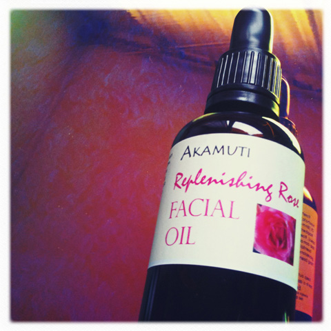 Akamuti-replenishing rose facial oil
