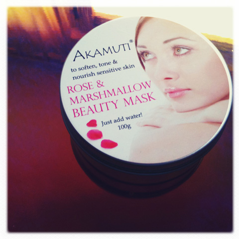Akamuti-rose & marshmallow beauty mask