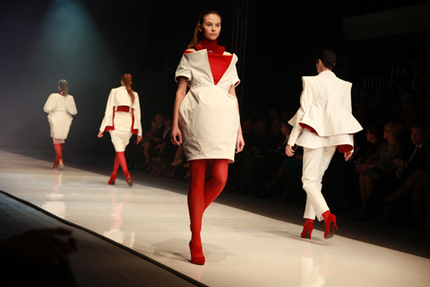Martyna Idzikowska Golden Thread Fashion Week Poland AW 2011