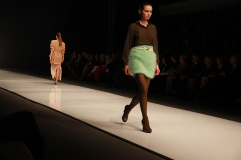 Paulina Matuszelanska Golden Thread Fashion Week Poland AW 2011