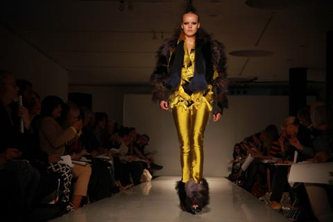 RCA graduate fashion 2011-Amelie Marciasini photography by Amelia Gregory