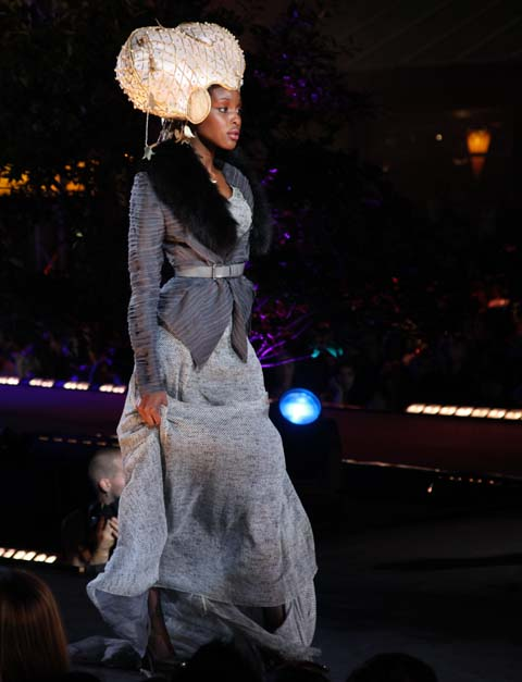 Fashion Mode Design Mode et Opera Montreal Festimania 2011 photo by Amelia Gregory