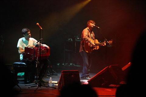 King Creosote and Jon Hopkins Diamond Mine review 2011-photo by Amelia Gregory