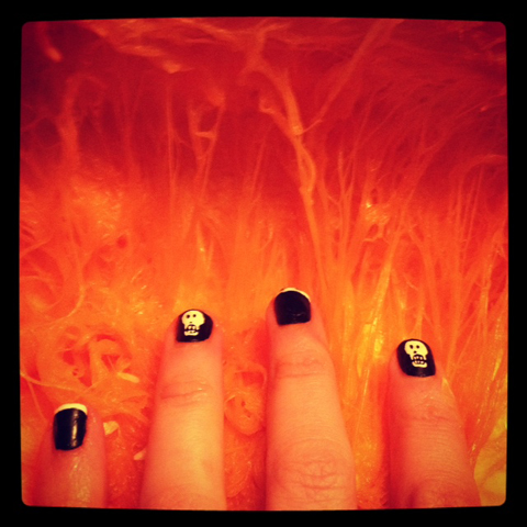 raven rouge halloween nails