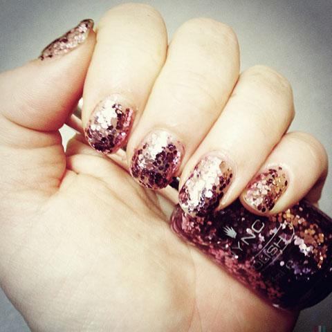 Christmas glitter nails nail art