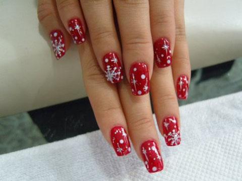 christmas-nail-art-designs-red snowflakes