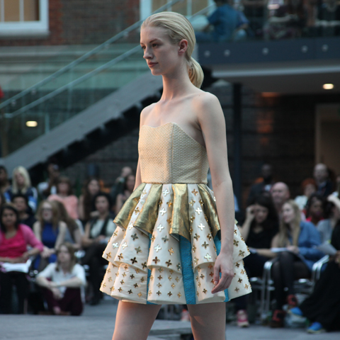 Middlesex Fashion Graduate Show 2013-Sarah Kathryn Grantham