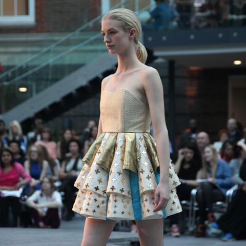 Middlesex Fashion Graduate Show 2013-Sarah Kathryn Grantham