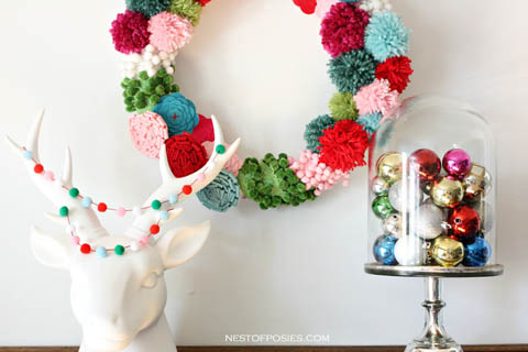 Pom-Pom-Wreath for Christmas by Nest of Posies