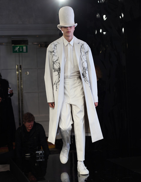 Wen Tan AW 2014-white suit