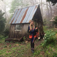 American Pioneers-Jess at Mountain Gardens thb