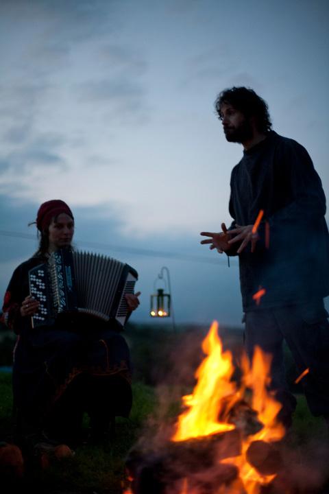 Hedgespoken-tom and rima storytelling on dartmoor