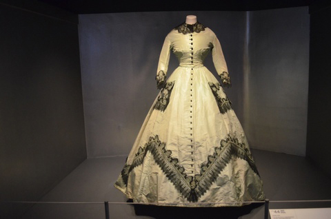 A History of Fashion in 100 Objects at Bath Fashion Museum 3